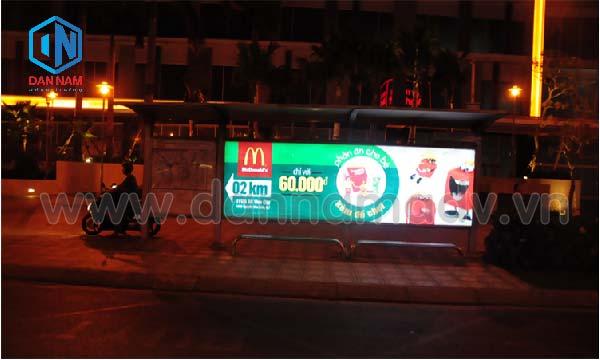 Quảng cáo trạm dừng xe bus hộp LED