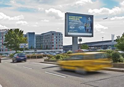 quảng cáo billboard sân bay