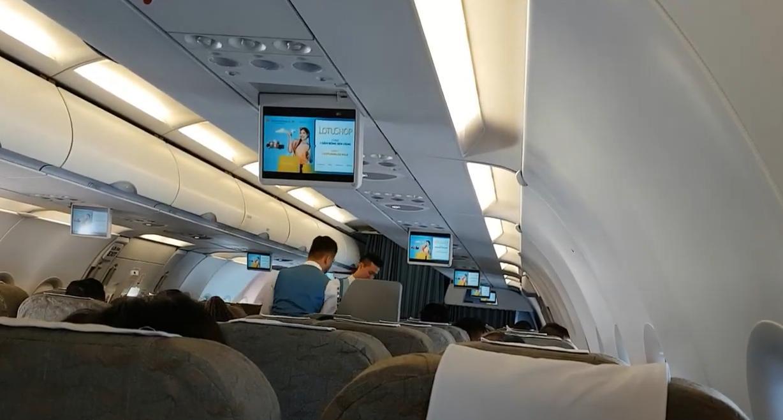 Quảng cáo TVC trên máy bay