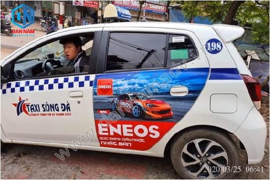 Quảng cáo trên taxi Hòa Bình