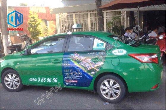 Quảng cáo taxi Mai Linh tại Huế - quảng cáo trên 2 cánh cửa xe taxi