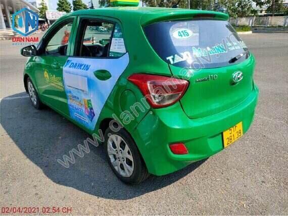 Quảng cáo trên cánh cửa sau của xe taxi tại Kiên Giang - Daikin quảng cáo taxi Mai Linh
