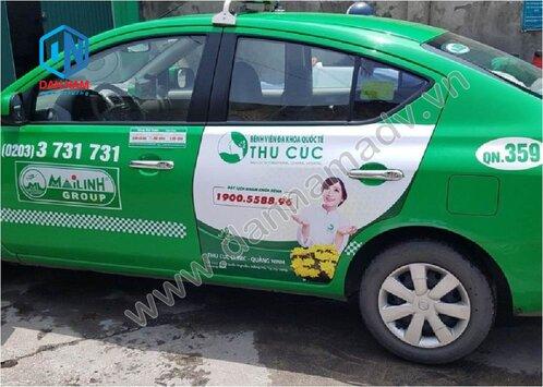 Quảng cáo taxi trên 2 cánh cửa sau taxi Mai Linh Lạng Sơn