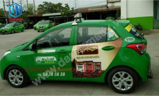 Quảng cáo trên cánh cửa xe taxi Mai Linh Lào Cai