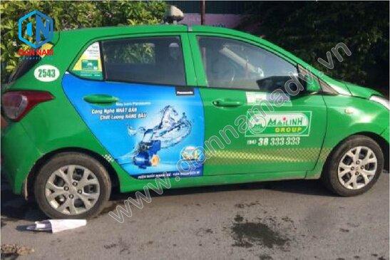 Quảng cáo trên cánh cửa xe taxi Mai Linh Nam Định