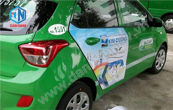 Quảng cáo trên taxi tại Quảng Nam - dán quảng cáo 2 bên cửa xe taxi Mai Linh