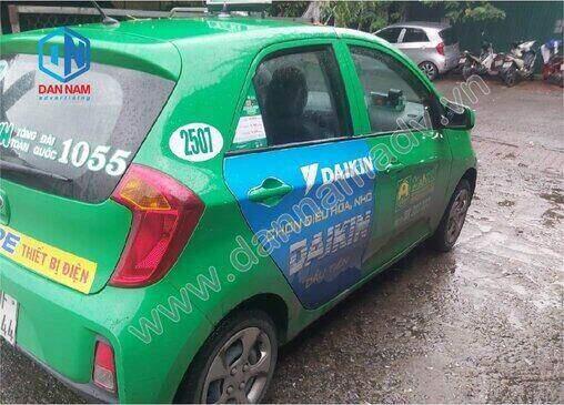 Quảng cáo trên cánh cửa xe taxi Mai Linh Thái Bình