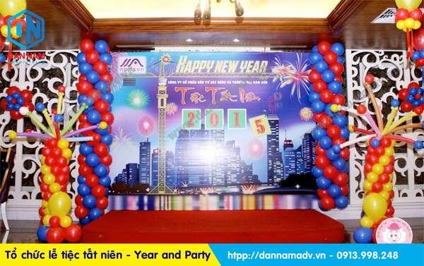 tổ chức tiệc tất niên cuối năm