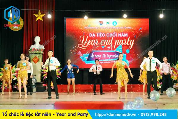 tổ chức tổ cuối năm year and party