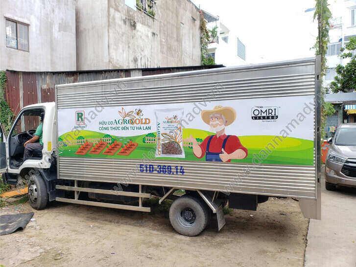 Dán decal quảng cáo trên thùng xe tải