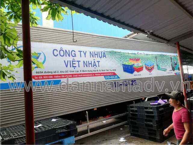 Dán quảng cáo trên thùng xe tải