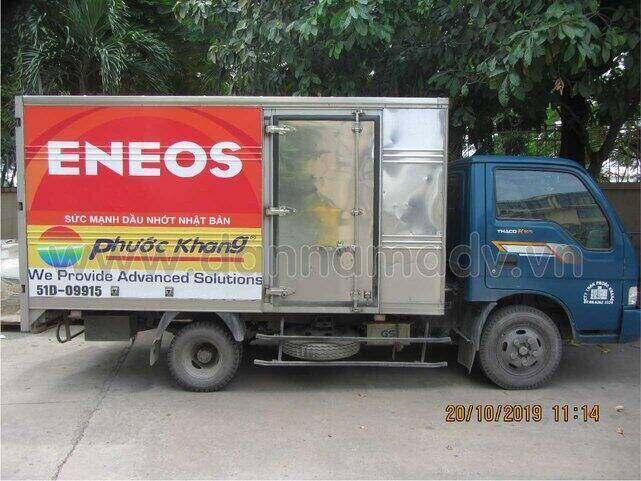 Thi công dán quảng cáo trên xe tải