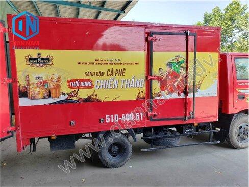 Dán quảng cáo trên thùng xe tải cho King Coffee
